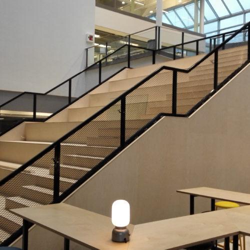 Branddimensionerad trapp offentlig miljö